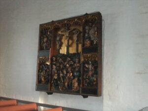 Læs om altertavler i Rønninge Kirke på Danmarks Kirker